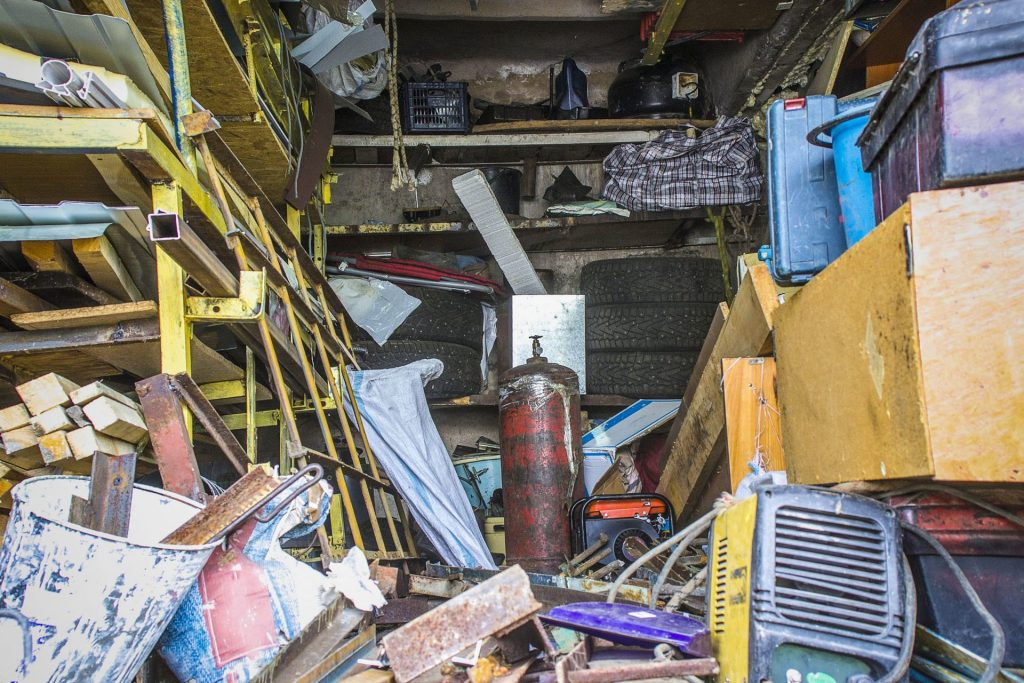 hoarding or clutter cleanup services